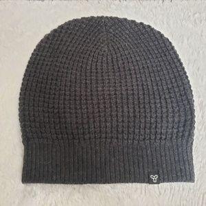 Aritzia TNA hat